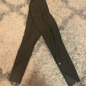 Lululemon Olive Tight Stuff 7/8 legging